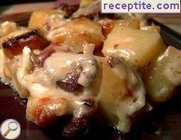 Pork with potatoes and three cheeses