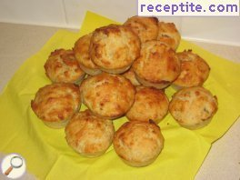 Muffins with banana and coconut