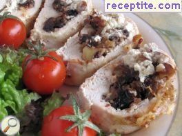 Chicken with olives and walnuts