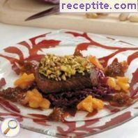 Beef steak with crust of pistachios