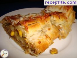 Butter rolls with vegetables and cheese