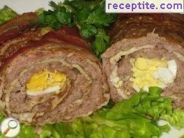 Pancakes with minced meat and bacon