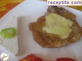 Breaded cutlets with cheese