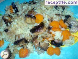 Rice with mushrooms and carrots