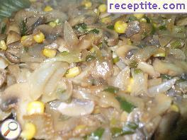 Vegetable mess with onions and mushrooms