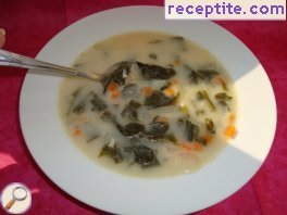 Nettle soup with rice