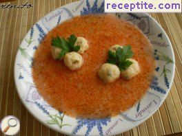 Tomato soup with cheese balls