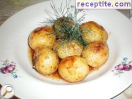 Potatoes with sweet and sour sauce