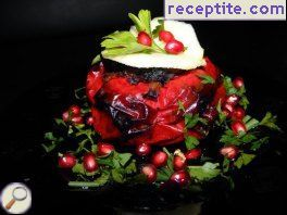 Stuffed bell peppers with minced meat in foil
