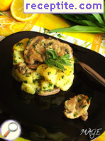 Potato salad with royal mushrooms and wild garlic