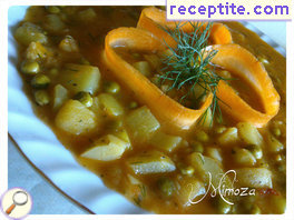 Stew with zucchini, potatoes and peas