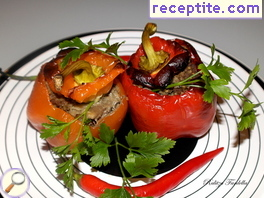 Stuffed peppers with minced meat and eggplant
