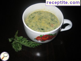 Nettle soup with tomato and potato