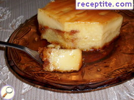 Kozunak with custard