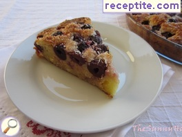 Sponge cake with cherries and cottage cheese