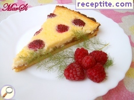 Raspberry tart with cream cheese
