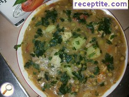 Peas with chicken and vegetables