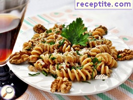 Whole wheat fusilli with walnuts