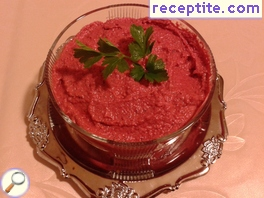 Pate beetroot with cottage cheese and chickpeas