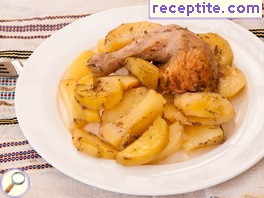 Chicken legs with potatoes and lemon oven