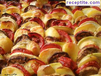 Zucchini, eggplant and potatoes in the oven