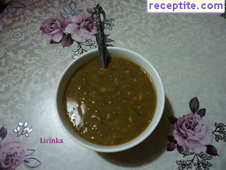 Stew of lentils with leeks