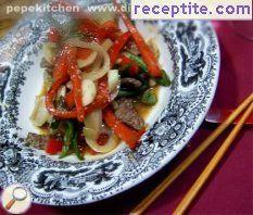 Beef with peppers and sesame