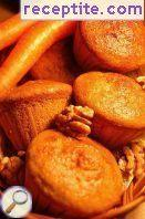 Muffins with carrots and walnuts