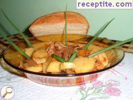 Bratzigovo stew with beef
