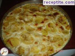 Potatoes with bechamel sauce