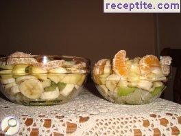 Winter fruit salad with dressing