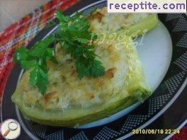 Stuffed zucchini with rice and chicken