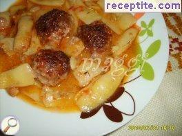 Meatballs with green beans in the oven