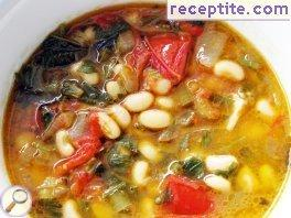 Mung bean with tomato and pepper