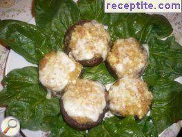 Stuffed mushrooms with breadcrumbs