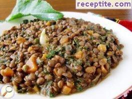 Lentils with spinach (salt bush, dock)