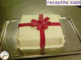 Layered cake * and gift bag *