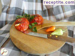 Easy stuffed tomatoes with feta cheese and egg