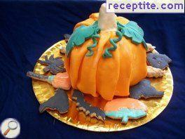 Layered cake pumpkin for Halloween