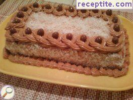 Layered cake with biscotti and dulce de leche