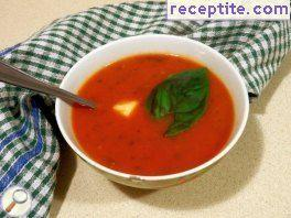 Tomato soup with mozzarella and basil