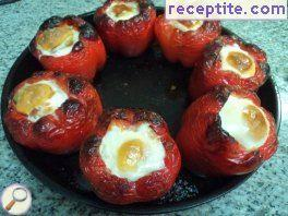 Stuffed bell peppers with chicken, cheese and egg