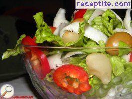 Autumn salad with radish and sour garlic