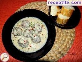 Gyuvarlakya avgolemono - Meatballs with egg lemon sauce