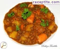 Lentils with potatoes and skinless sausages