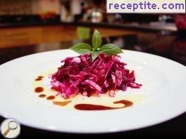 Salad with beetroot and cabbage