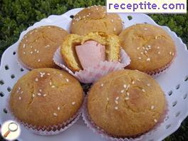 Corn sponge cakecheta with skinless sausages