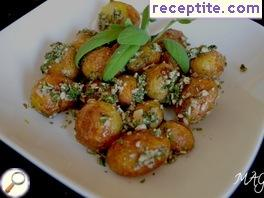 Baby potatoes with mint and nuts