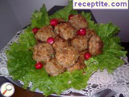 Meatballs with potatoes and walnuts