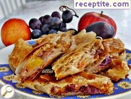 Strudel with various fruits